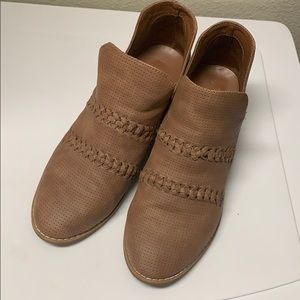 Target Universal Thread Brand Ankle Boots | 9.5
